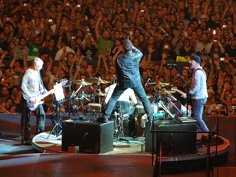 U2_360_at_Cowboys_Stadium